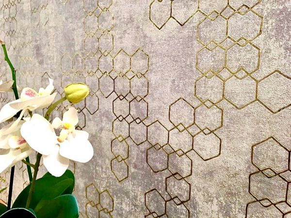 Vliestapete grafisches Hexagon Muster Beton grau silber gold metallic